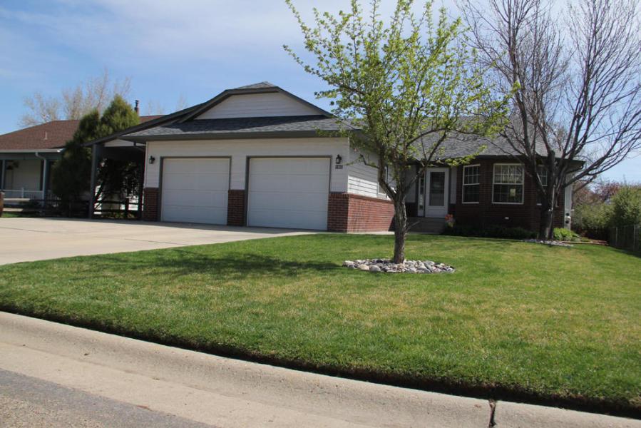 1985 Pima Drive, Sheridan, Wyoming 82801, 4 Bedrooms Bedrooms, ,3 BathroomsBathrooms,Residential,For Sale,Pima,19-261