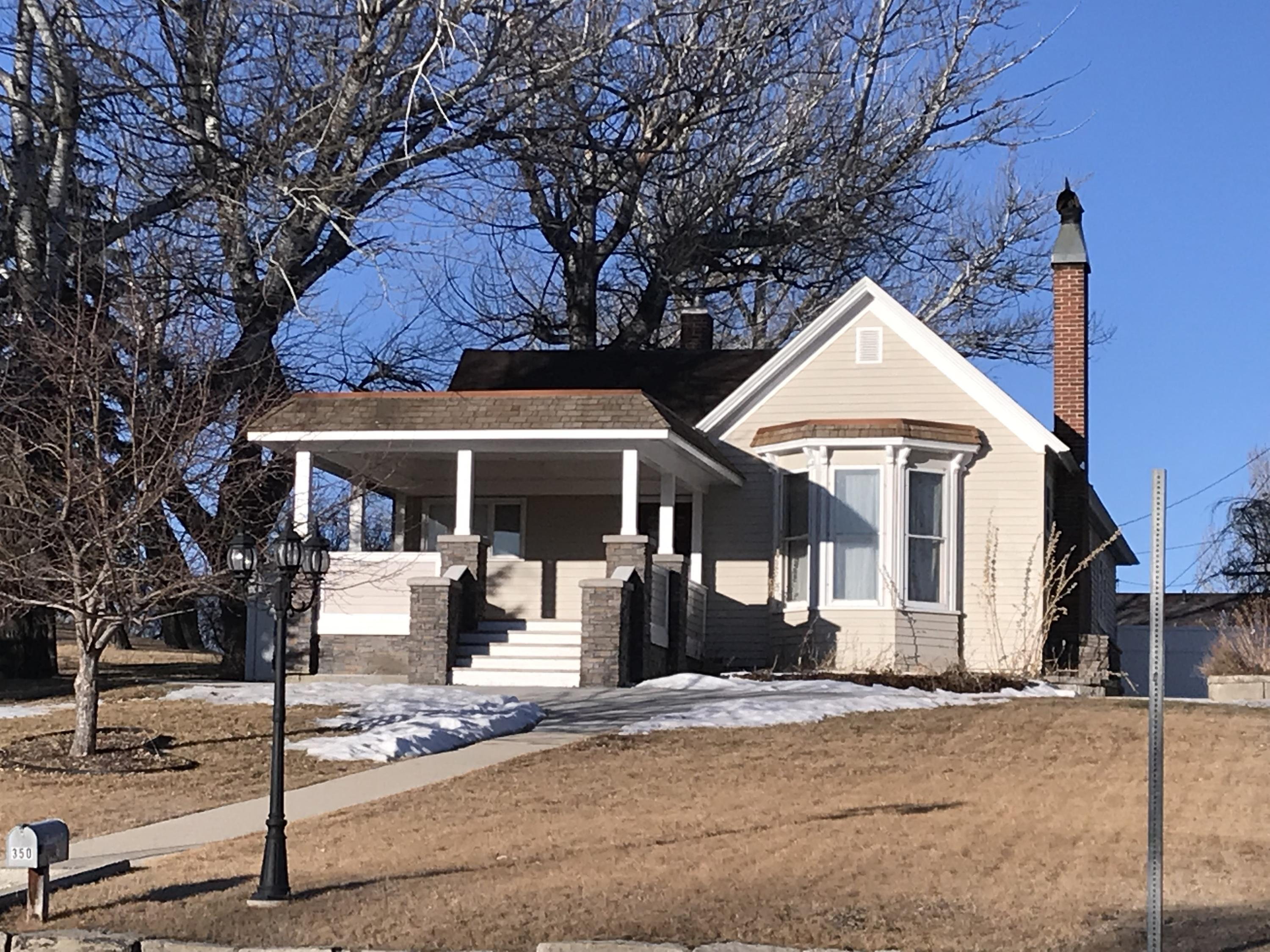 350 S Main Street, Buffalo, Wyoming 82834, 3 Bedrooms Bedrooms, ,2 BathroomsBathrooms,Residential,For Sale,Main,19-238