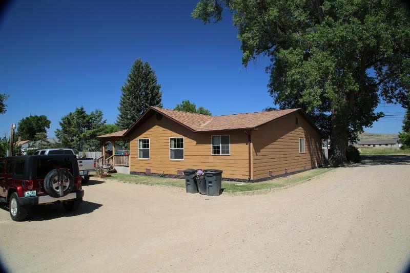 5040 Coffeen Avenue, Sheridan, Wyoming 82801, 4 Bedrooms Bedrooms, ,2 BathroomsBathrooms,Residential,For Sale,Coffeen,19-283