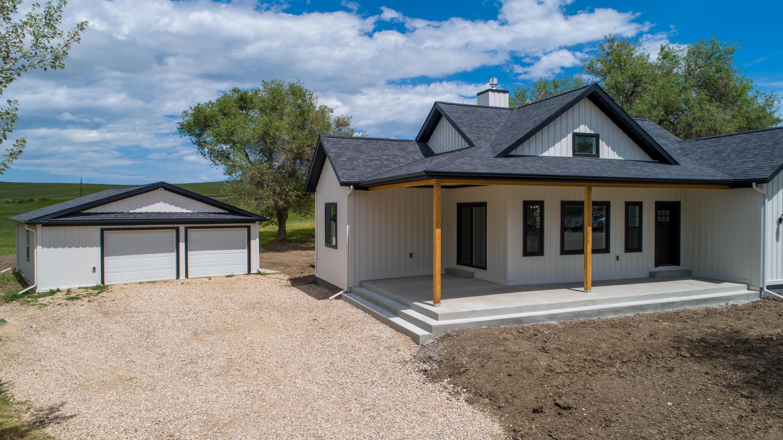 749 E Loucks Street, Sheridan, Wyoming 82801, 3 Bedrooms Bedrooms, ,2 BathroomsBathrooms,Residential,For Sale,Loucks,19-561