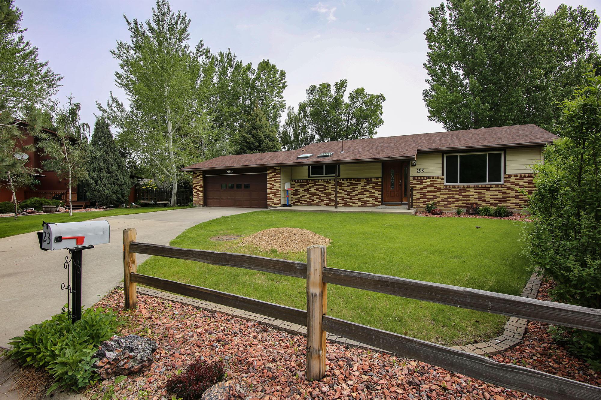 23 Davis Tee, Sheridan, Wyoming 82801, 4 Bedrooms Bedrooms, ,2 BathroomsBathrooms,Residential,For Sale,Davis Tee,19-570