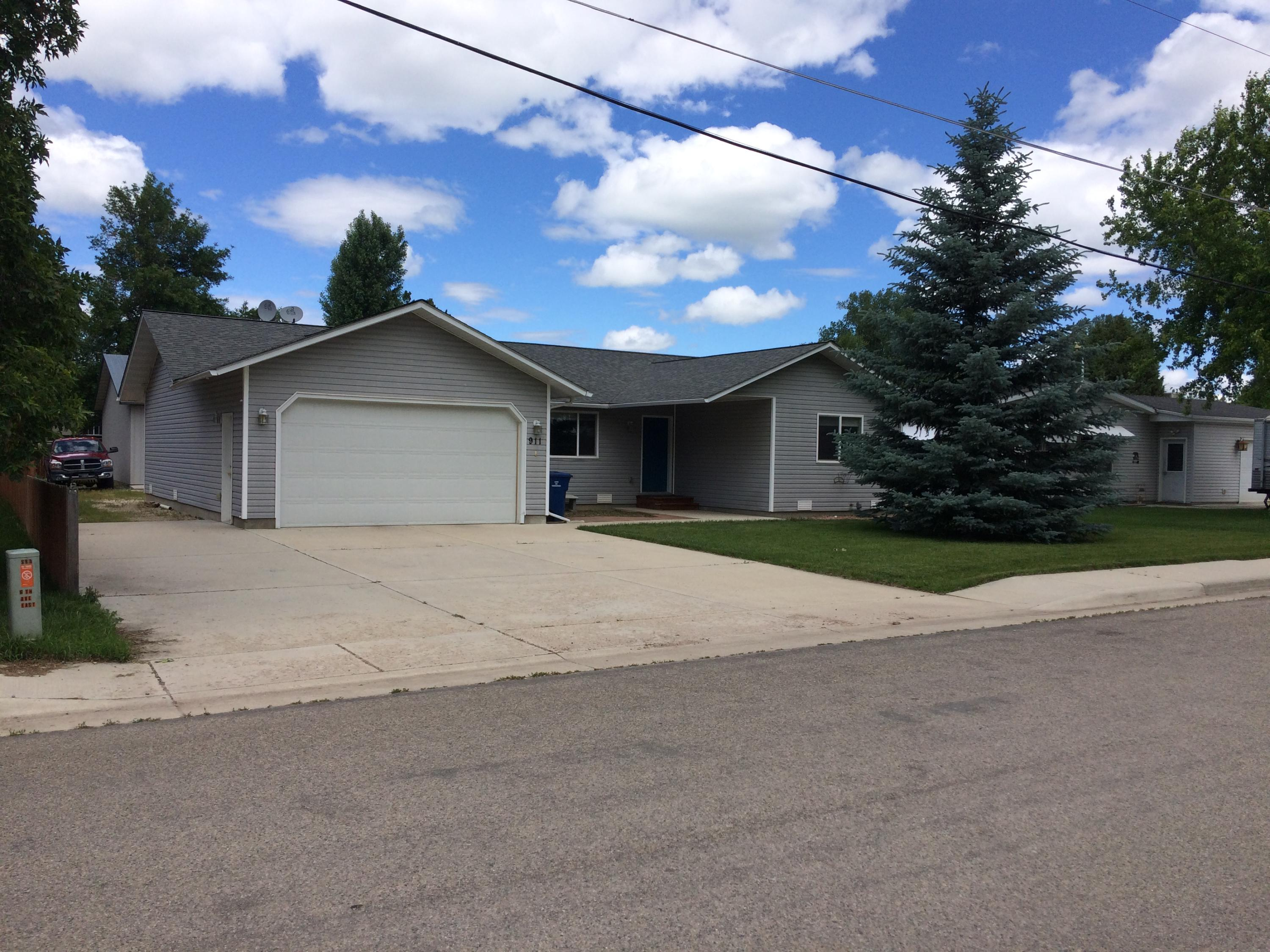 911 6th Avenue East, Sheridan, Wyoming 82801, 3 Bedrooms Bedrooms, ,2 BathroomsBathrooms,Residential,For Sale,6th Avenue East,19-668