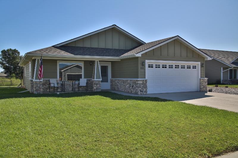 451 Brook Street, Ranchester, Wyoming 82839, 3 Bedrooms Bedrooms, ,2 BathroomsBathrooms,Residential,For Sale,Brook,19-893
