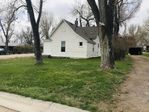 1033 Water Street, Clearmont, WY 82835