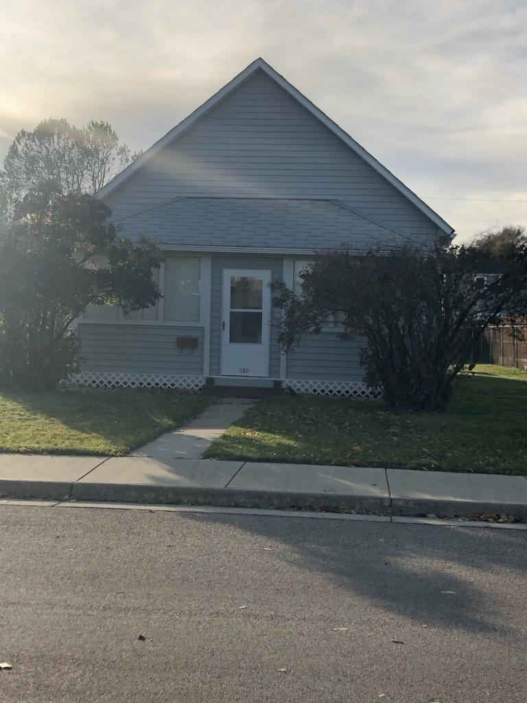 616 Sumner Street, Sheridan, Wyoming 82801, 2 Bedrooms Bedrooms, ,1 BathroomBathrooms,Residential,For Sale,Sumner,19-1084