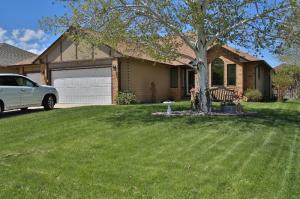 1757 N North Heights Circle, Sheridan, WY 82801
