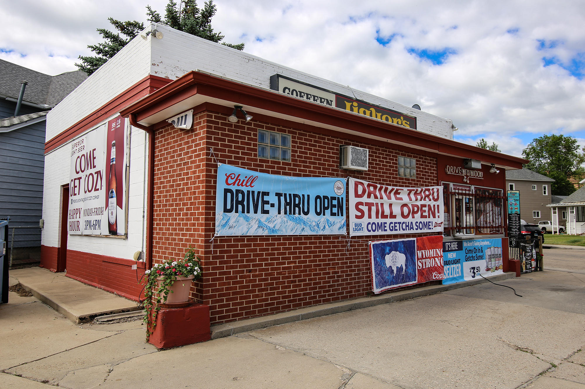 112 Coffeen Avenue, Sheridan, Wyoming 82801, ,Commercial,For Sale,Coffeen,20-477