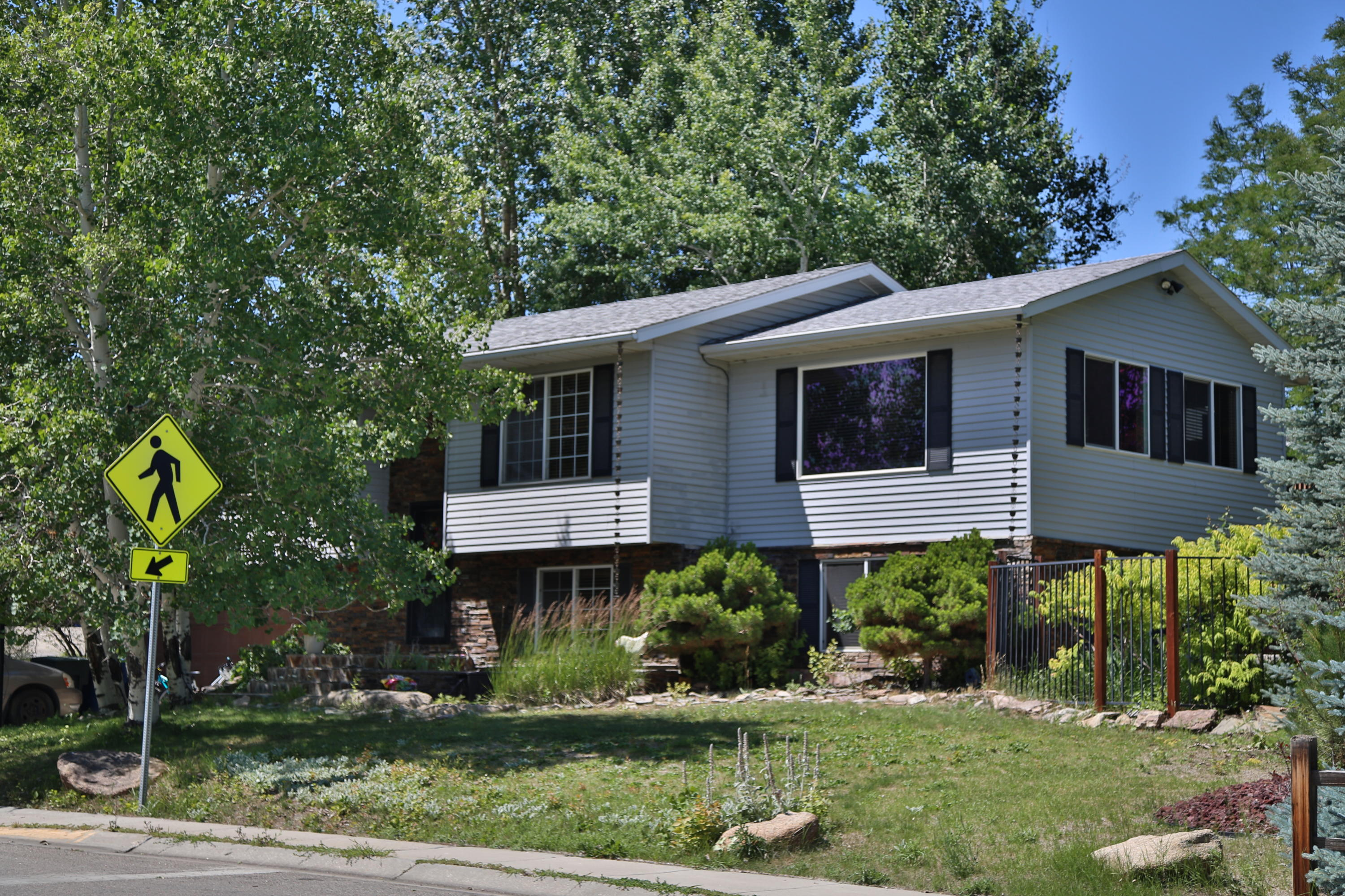 1991 Sparrow Hawk Road, Sheridan, Wyoming 82801, 5 Bedrooms Bedrooms, ,3 BathroomsBathrooms,Residential,For Sale,Sparrow Hawk,20-607