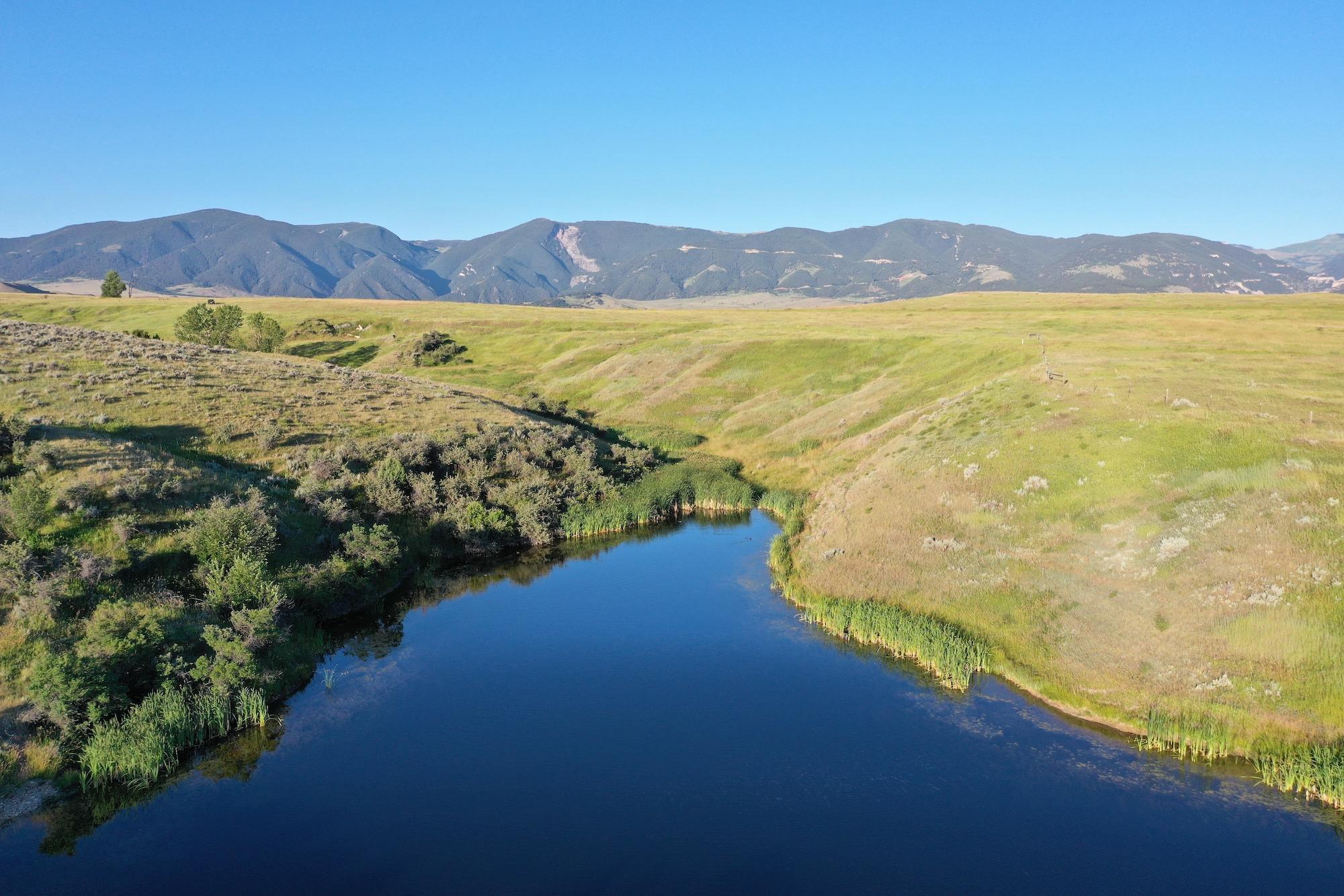 4 Beckton Road, Sheridan, Wyoming 82801, 5 Bedrooms Bedrooms, ,3.5 BathroomsBathrooms,Ranch,For Sale,Beckton,20-654