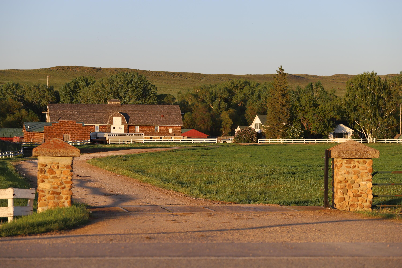 247 Decker, Sheridan, Wyoming 82801, 6 Bedrooms Bedrooms, ,3 BathroomsBathrooms,Ranch,For Sale,Decker,20-666