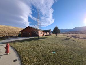 1 Black Mountain Drive, Dayton, WY 82836