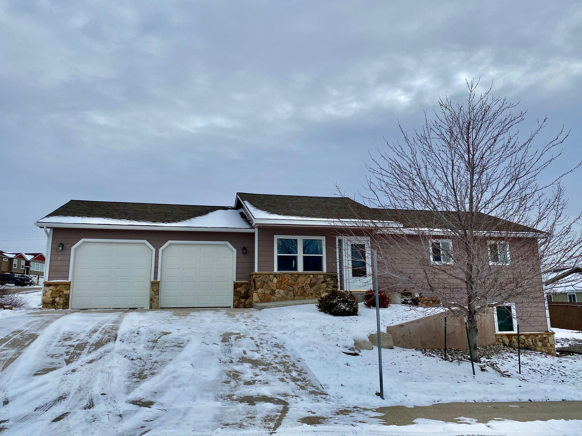 1202 E Woodland Park Road, Sheridan, Wyoming 82801, 2 Bedrooms Bedrooms, ,2 BathroomsBathrooms,Residential,For Sale,Woodland Park,20-1193
