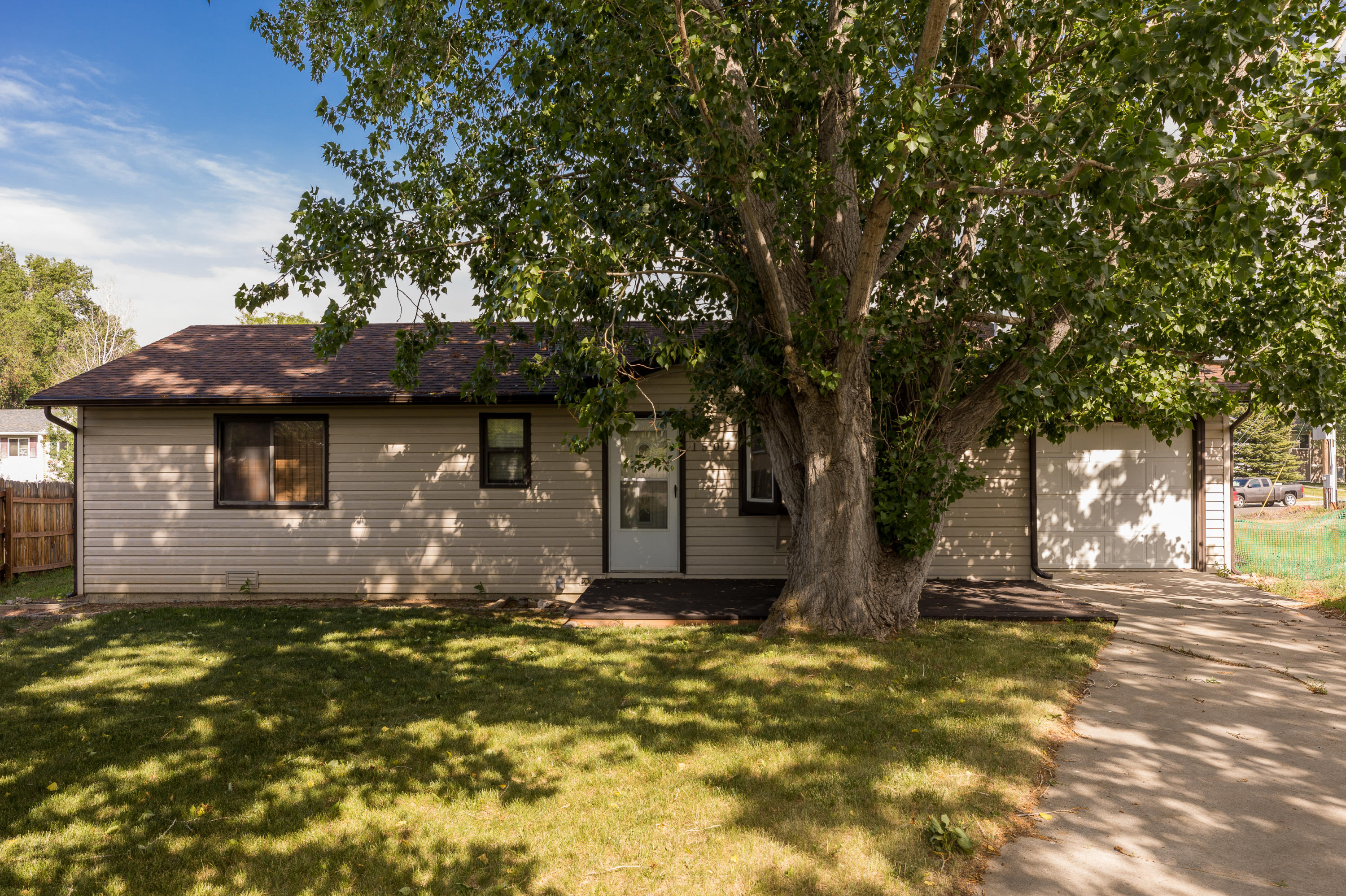 1507 North Heights Road, Sheridan, Wyoming 82801, 2 Bedrooms Bedrooms, ,1 BathroomBathrooms,Residential,For Sale,North Heights,21-648