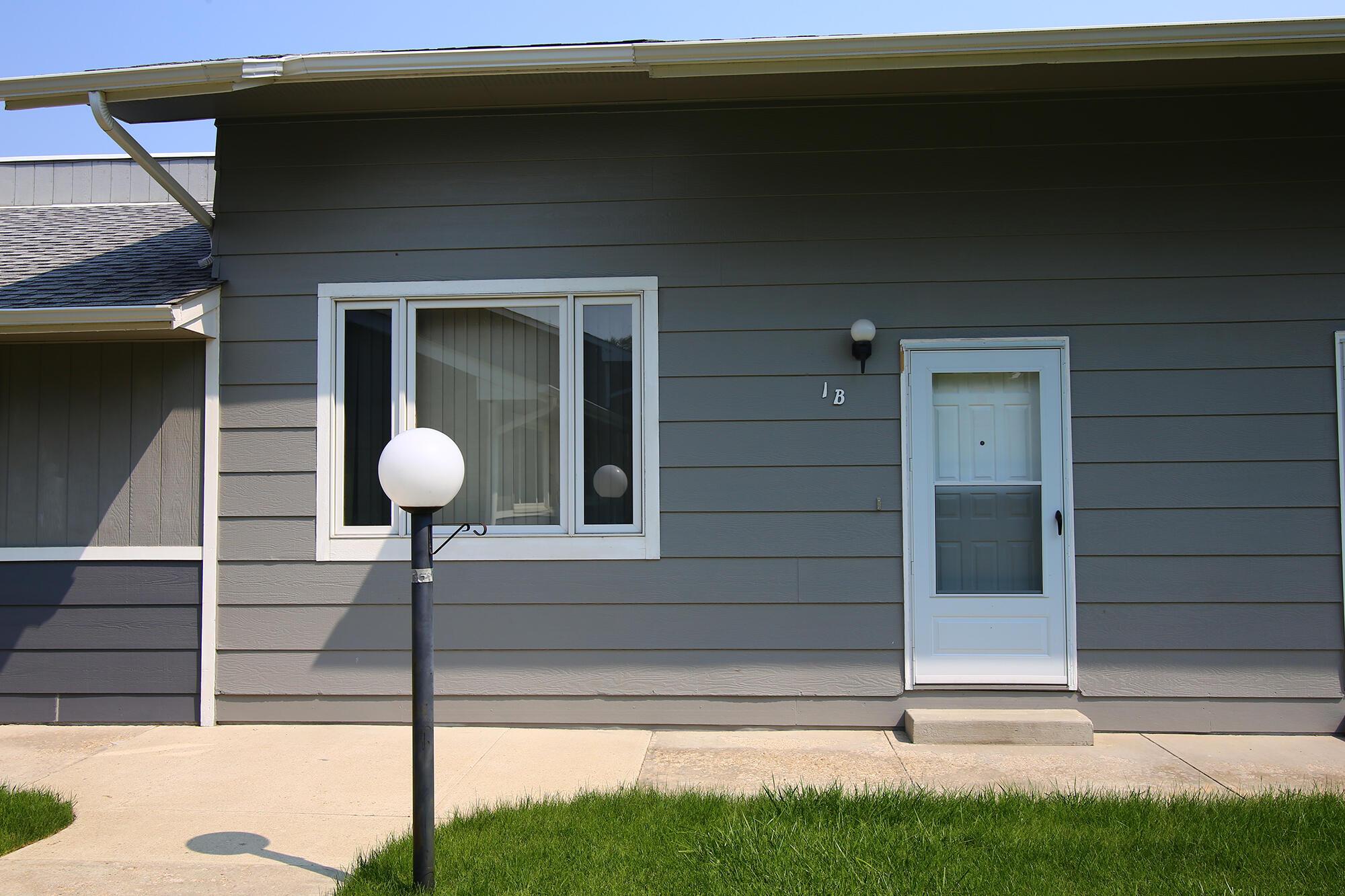 1500 De Smet Avenue, Sheridan, Wyoming 82801, 3 Bedrooms Bedrooms, ,1.75 BathroomsBathrooms,Residential,For Sale,De Smet,21-821