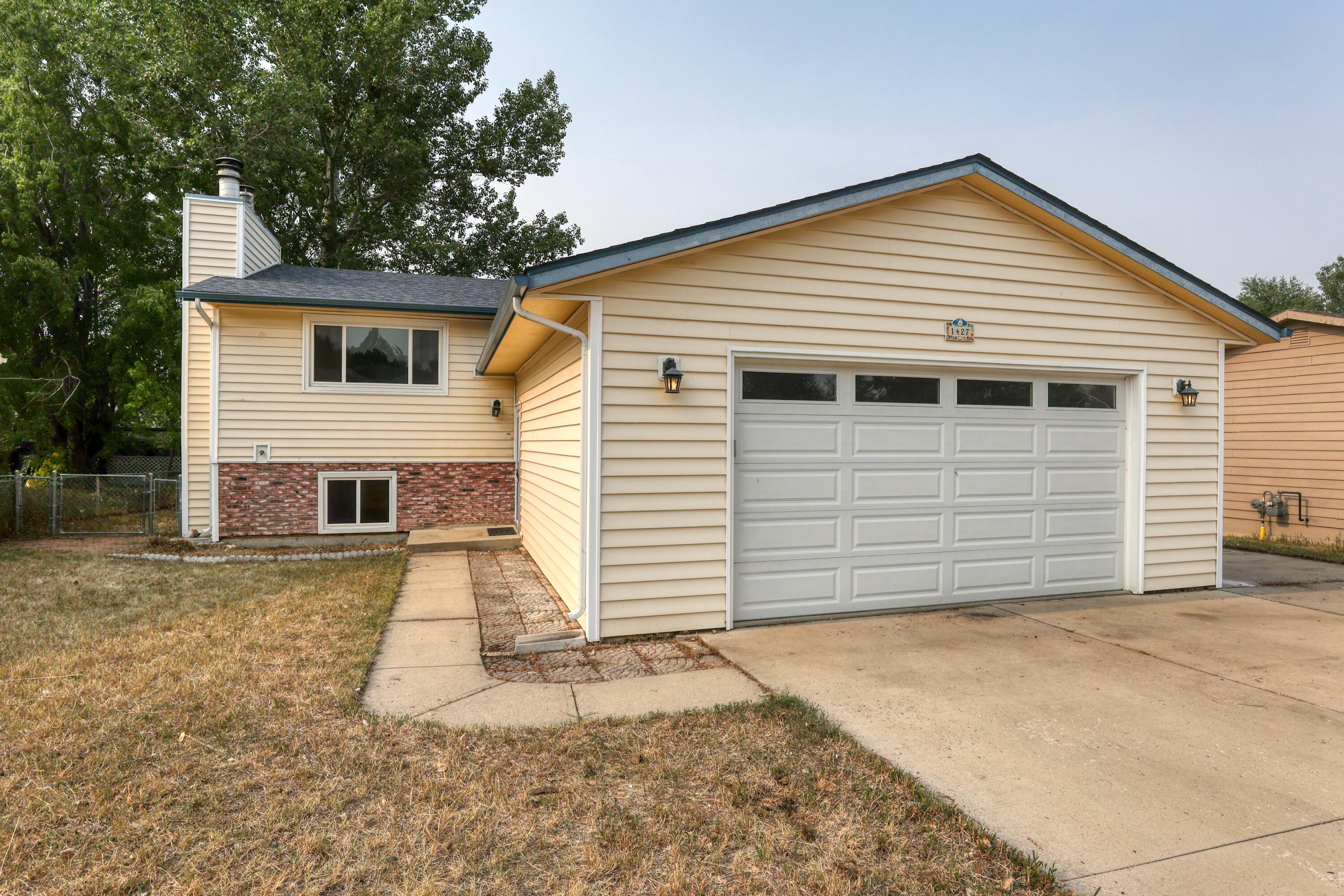 1427 N North Heights Court, Sheridan, WY 82801