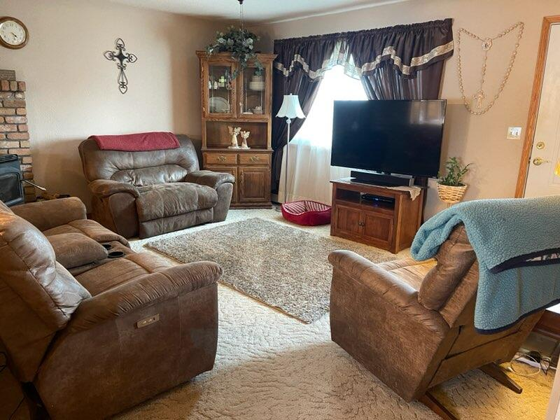 2850 W 2nd Avenue, Buffalo, Wyoming 82834, 5 Bedrooms Bedrooms, ,1.75 BathroomsBathrooms,Residential,For Sale,2nd,21-1100