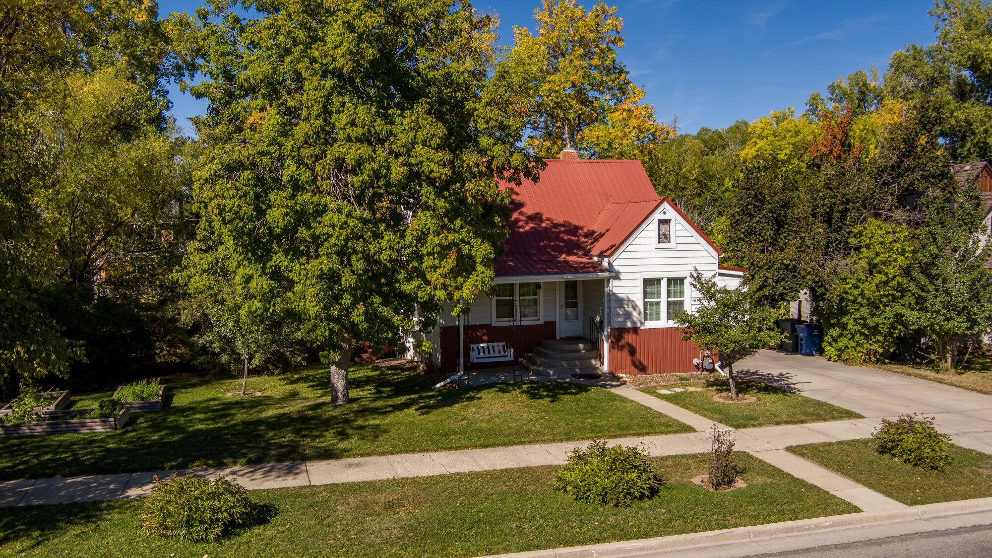 124 Griffith Avenue, Sheridan, Wyoming 82801, ,Multi-Unit,For Sale,Griffith,21-1103