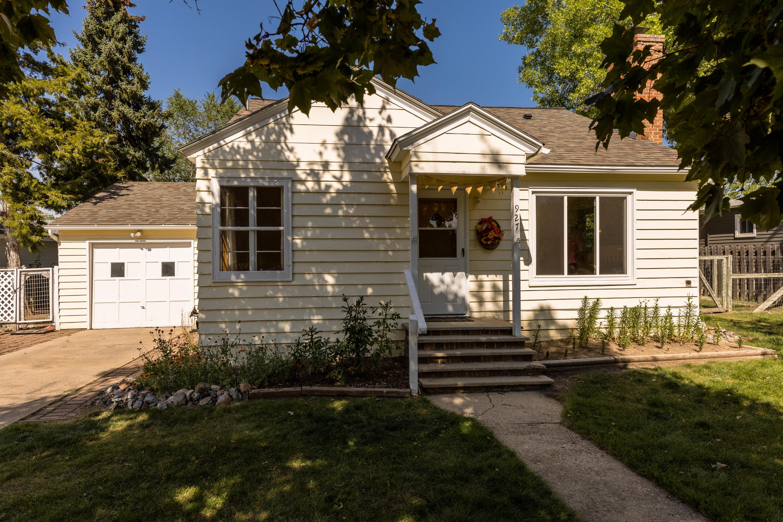 927 Avon Street, Sheridan, Wyoming 82801, 2 Bedrooms Bedrooms, ,1 BathroomBathrooms,Residential,For Sale,Avon,21-1106
