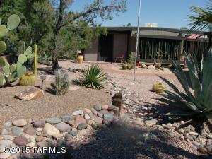 210 W Pinon Drive, Green Valley, AZ 85614