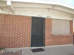 3942 E Lee Street, Tucson, AZ 85712