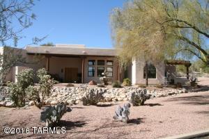 8101 N Fairway View Drive, Tucson, AZ 85742