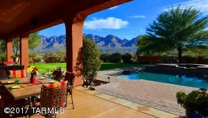545 W Red Mountain Place, Oro Valley, AZ 85755