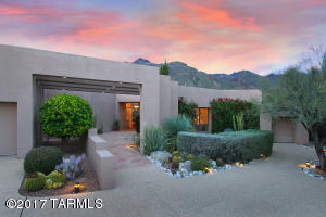 Contemporary architectural beauty on Ventana Canyon Golf Course