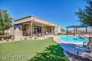 414 E Majesty Place, Green Valley, AZ 85614