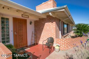 1135 W San Lucas Circle, Tucson, AZ 85704