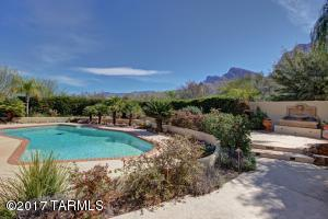 9710 N Cliff View Place, Oro Valley, AZ 85704