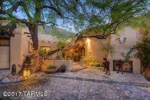 Replicating the quality warmth and character of the historic Arizona Inn and reflecting the beauty and charm of a past, gracious period in time.