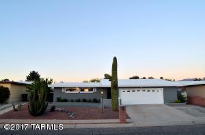 1849 S Regina Cleri Drive, Tucson, AZ 85710