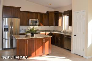 Gorgeous remodeled kitchen with large island perfect for entertaining!