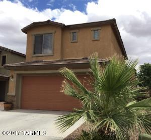 Beautiful two-story home with easy access to downtown, Raytheon and Davis Monthan.