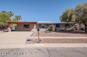 7739 N Meredith Boulevard, Tucson, AZ 85741