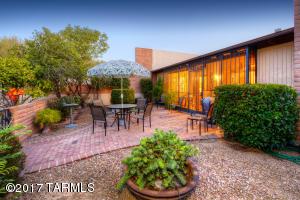 8430 N Breezewood Place, Tucson, AZ 85704