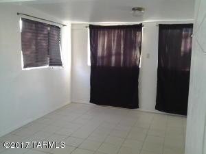 4218 E Santa Barbara Avenue, Tucson, AZ 85711