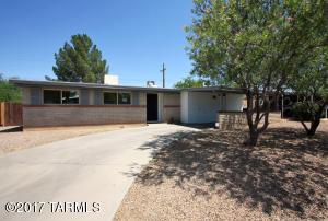 8421 E Louise Drive, Tucson, AZ 85730