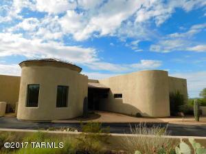 GRANDEUR IN THE DESERT.. 6379 Square Ft., 4.98 Acres