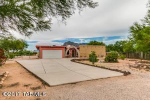 8040 N El Tovar Place, Tucson, AZ 85704