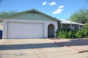 2400 W Armadillo Street, Tucson, AZ 85713
