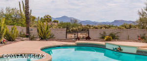 Voted Tucson Association of Realtors Home Tour Winner! Gorgeous Sunset and Mountain views from the Oasis style backyard