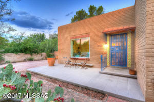 110 S Bryant Avenue, Tucson, AZ 85711