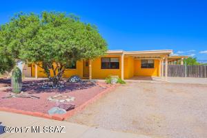 7701 E Persimmon Drive, Tucson, AZ 85730