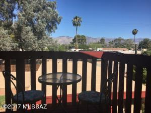 CATALINA MTN VIEWS FROM A CENTRAL HOME!!