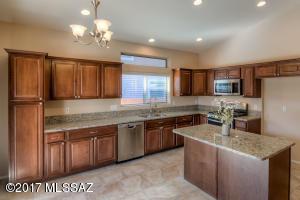 11060 N Eagle Crest Drive, Oro Valley, AZ 85737