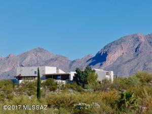 4940 E Calle Barril, Tucson, AZ 85718