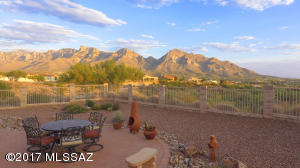 Sweeping Catalina mountains and city views...