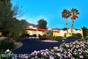6720 N Saint Andrews Drive, Tucson, AZ 85718