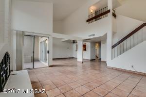 7823 E Hawthorne Street, Tucson, AZ 85710